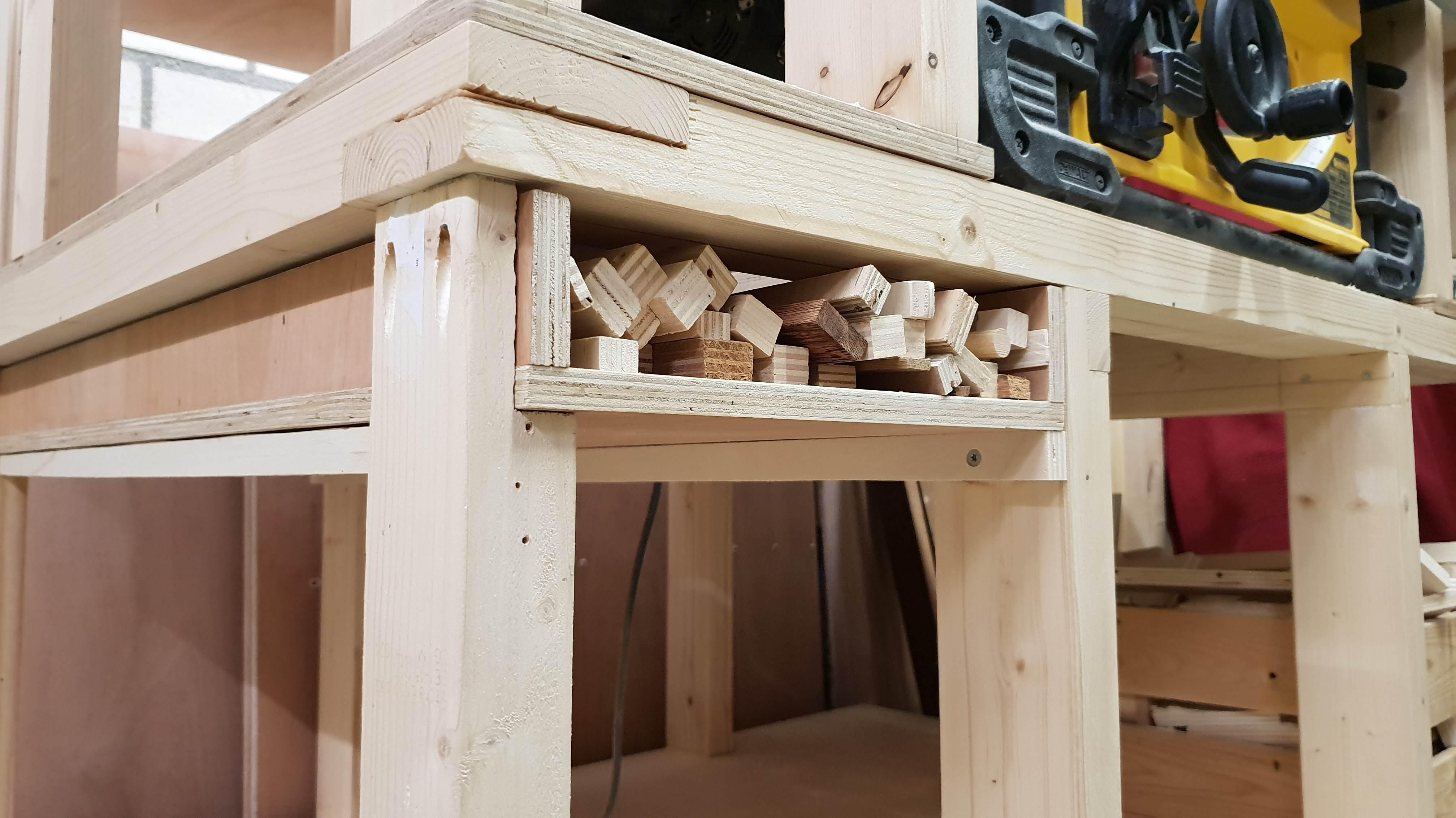 Groovy Mobile Workbench Dewalt Dwe7491 Cornerfield Shop Machost Co Dining Chair Design Ideas Machostcouk